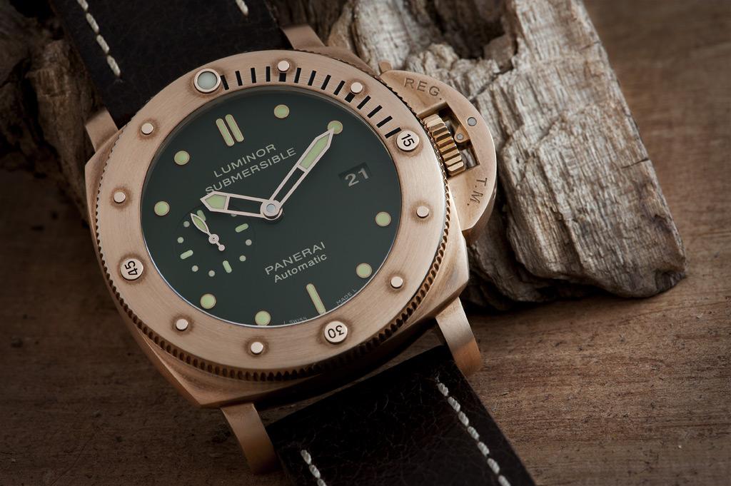 Panerai Luminor Submersible Watch