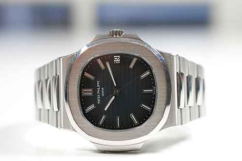 Watch Review: Patek Philippe Nautilus 5711/1A